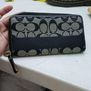 Coach zipper around wallet black